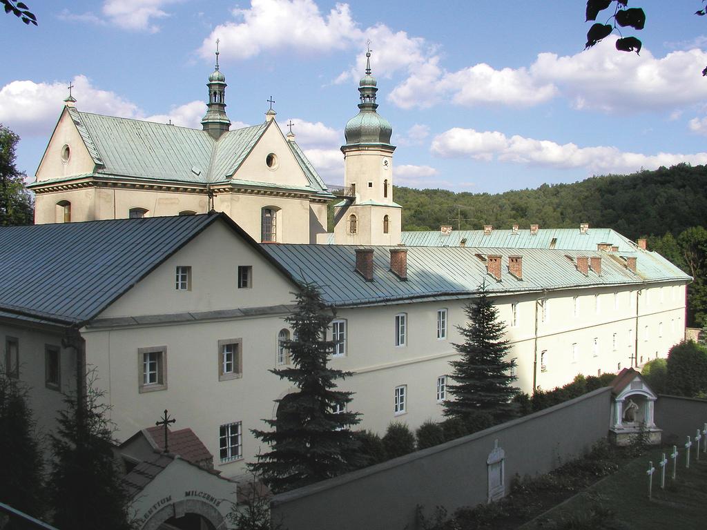 KOŚCIÓŁ I KLASZTOR OO. KARMELITÓW BOSYCH W CZERNEJ, fot. M. Klag (MIK, 2002) CC BY SA 3.0